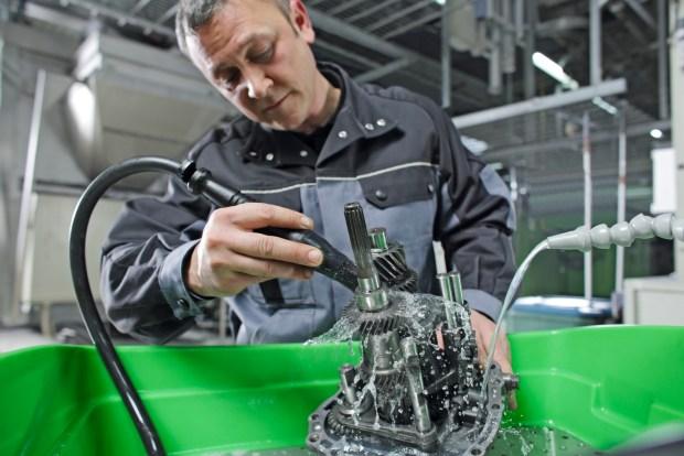 MEWA BIO-CIRCLE czyści części wykonane ze stali, stali szlachetnej i metali kolorowych, ale także z wrażliwego aluminium.