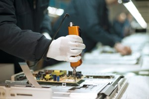 Technicians working in the factory. Copyright: n-gineric gmbh