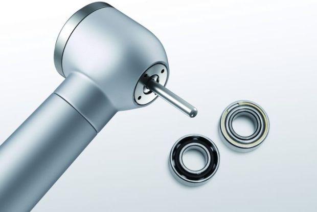 Turbiny stomatologiczne wyposażone w dwa wysoko precyzyjne miniaturowe łożyska osiągające prędkość do 500.000 obr./min.