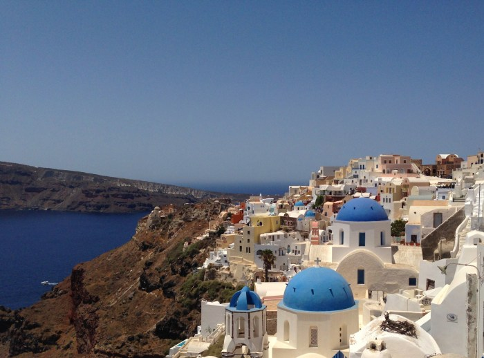 Oia in colour
