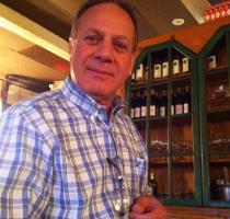 Giovanni, co-owner, maitre d'
