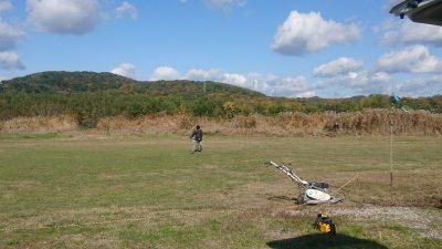 飛行場の草刈り
