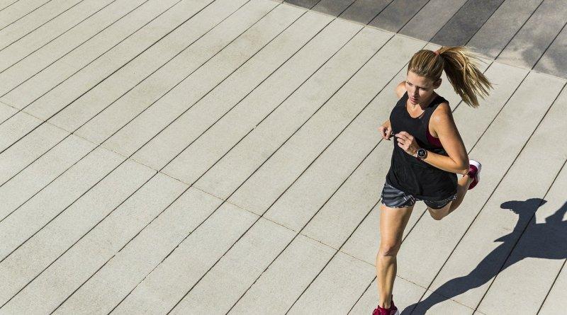 Running Woman Fitness Runner  - roxanawilliams1920 / Pixabay