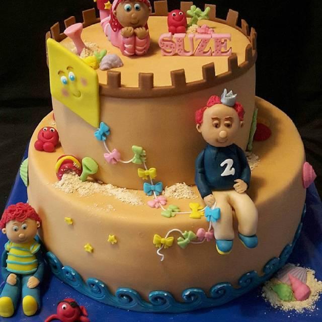 Happy Birthday Suze Speciaal voor haar 2de verjaardag zandkasteel taarthellip