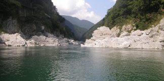 Der Yoshinogawa bei normalem Wasserstand