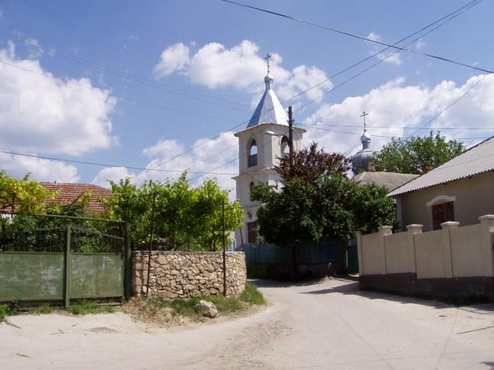 Kleine, neue Kirche in der Str. Paghis