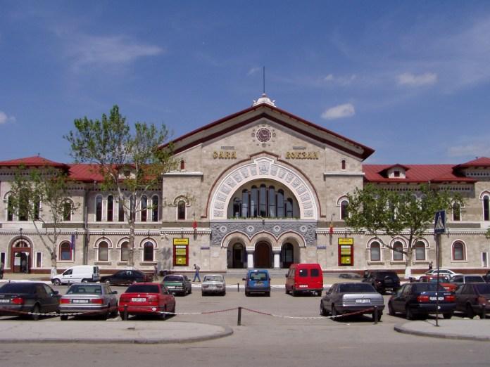 Der piekfeine, blitzsaubere Bahnhof der Stadt