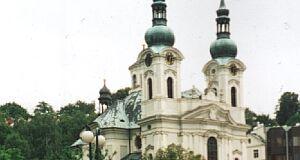 Die barocke Maria Magdalena-Kirche in Karlsbad