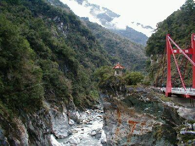 Die Taroko-Schlucht unweit von Hualien ist der Eintritt in Taiwans spektakuläre Gebirgswelt. Die Gegend um Taroko ist ein Paradies für Wanderer.