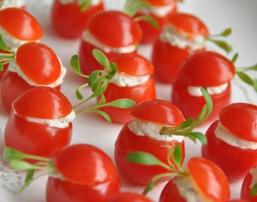 Kleine tomaatjes met groot geduld