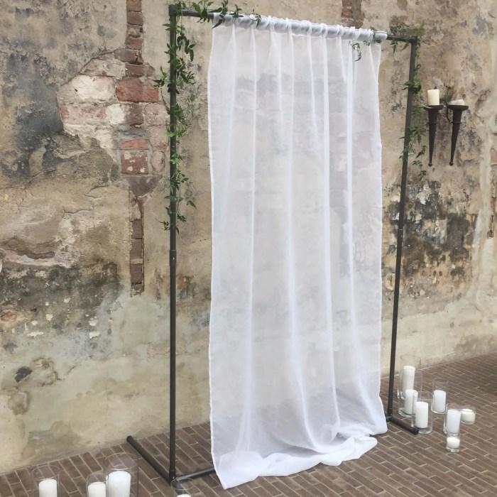 backdrop staal voile gordijn huur styling bruiloft