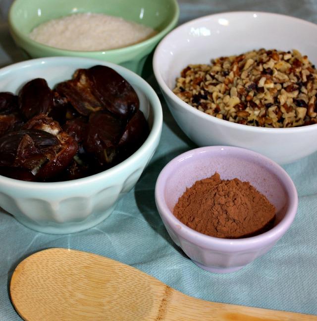 Walnut coconut cocoa bites