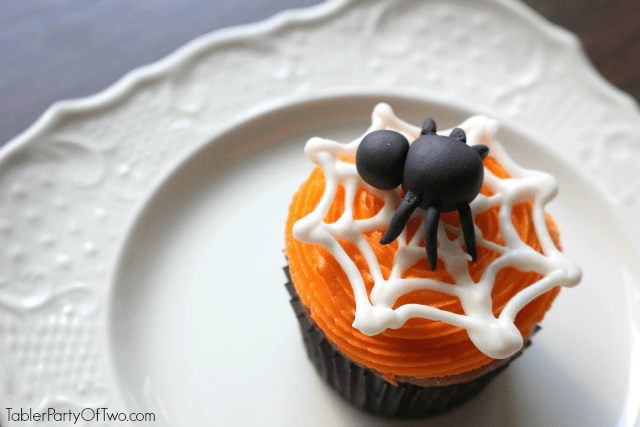 Super cute spider cupcake for Halloween!