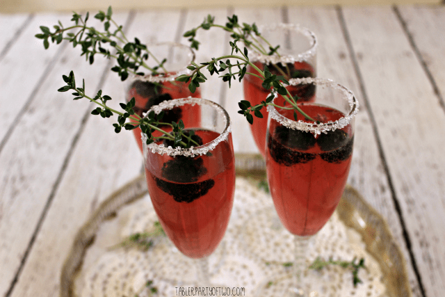 A Sprig Of Thyme Makes This Cocktail So Lovely! Blackberry Thyme Sparkler. Tabler Party of Two. http://www.tablerpartyoftwo.com/blackberry-thyme-sparkler