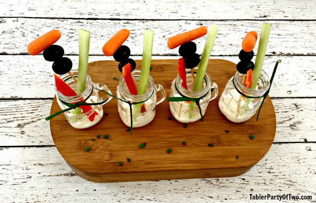 These Veggie Shooters are so cute, healthy and festive! TablerPartyofTwo.com