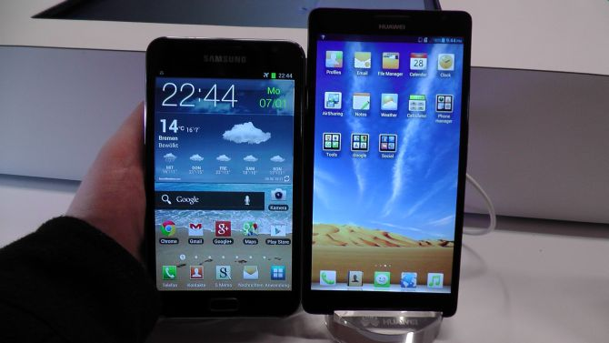 Samsung Galaxy Note vs Ascend Mate