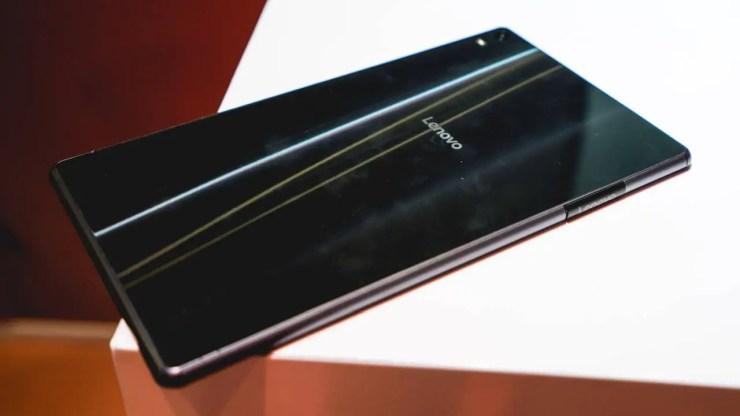 Lenovo Tab4 8 Plus Design