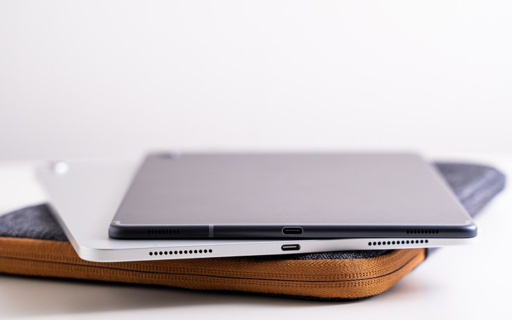 Samsung Galaxy Tab S5e vs. iPad Pro USB C Port