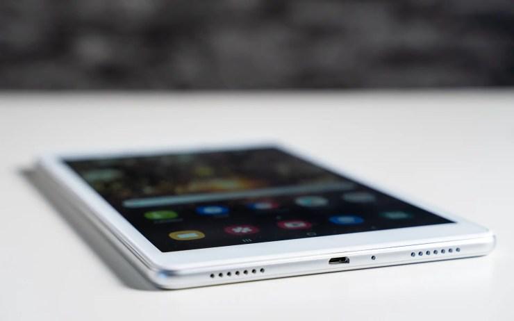 Samsung Galaxy Tab A 8.0 SM-T290 mit MicroUSB