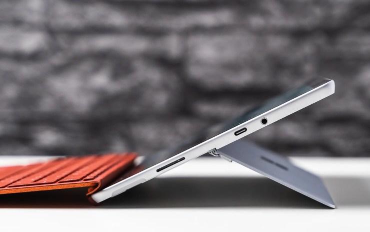 Microsoft Surface Go 2 USB C