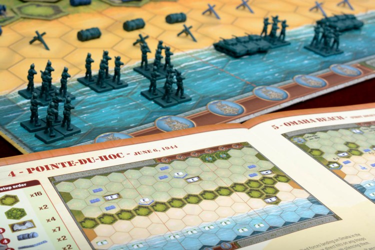 Tabletop D-Day - Memoir '44 Pointe Du Hoc