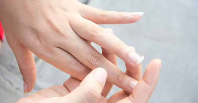Remèdes naturels contre les ongles cassants