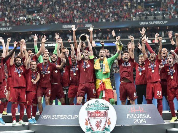 Liverpool celebrating