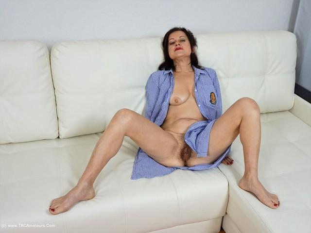 DianaAnanta - White Sofa