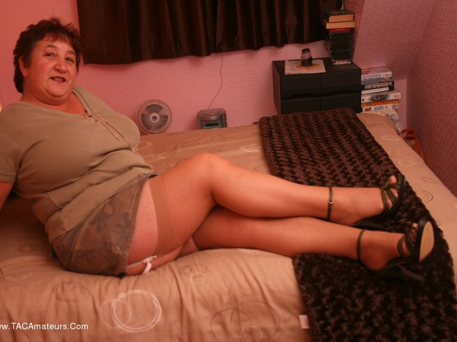 KinkyCarol - Camoflage  Stockings Pt1