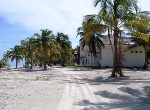 caye chapel golf island