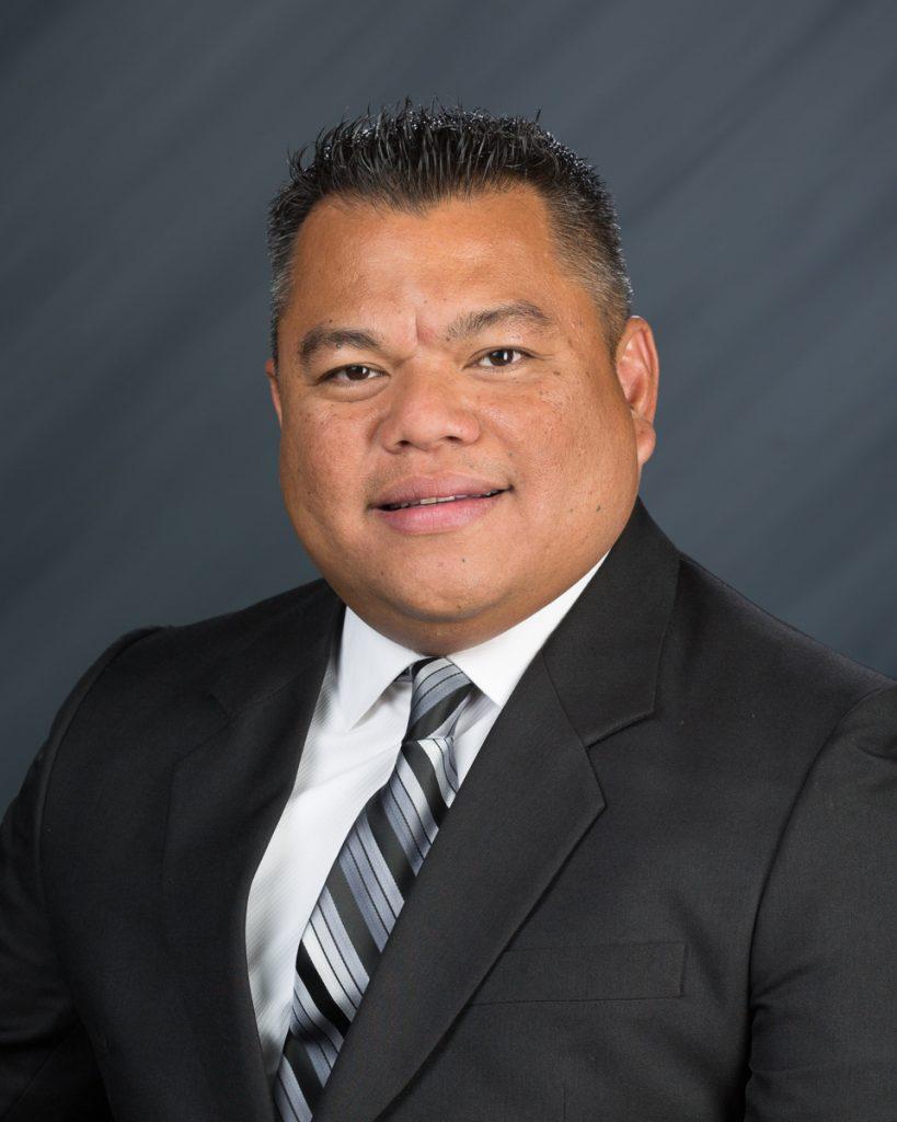 Tacoma Headshots | Tacoma pro banker headshot photographer