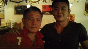 Coach Andrew with Former World number 1 Foo Kok Keong (MAS)