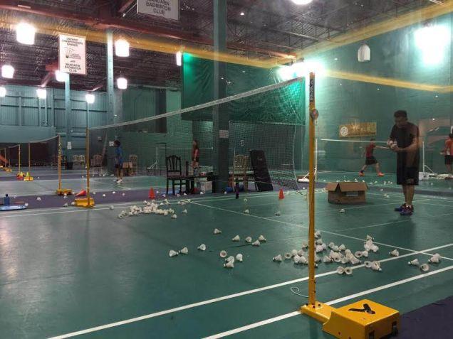 coach-andrew-in-mandarin-badminton-club-toronto-canada-2016-1