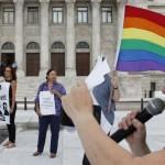 Autorizan primera adopción para pareja del mismo sexo