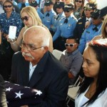 Sepultan con honores a oficial asesinado en comandancia de Ponce