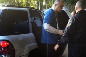 En hospital correccional policía acusado de disparar contra compañeros