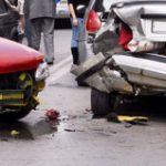 En estado crítico joven que impactó auto en la Avenida Monserrate en Carolina