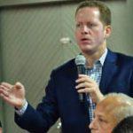 Bernier reúne comité de estatus del PPD
