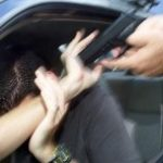 Acusan a nivel federal a tres individuos por cometer carjacking
