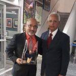 Líder de los Cocoteros de Loíza recibe merecido premio