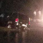 Dos familias se aventuran a pasar por Piñones y pierden sus carros