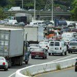 Cierran tramos de la avenida Baldorioty por accidente de motociclista