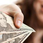 """Envían $54 millones en reintegros y """"bono senior"""""""