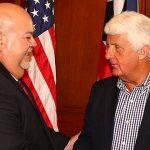 """""""Johnny"""" Méndez expresa a Congresista Rob Bishop su insatisfacción con la Junta de Control Fiscal"""