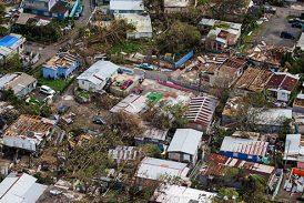 Presentan Plan de Acción para recuperación de viviendas y comercios afectados por el huracán María