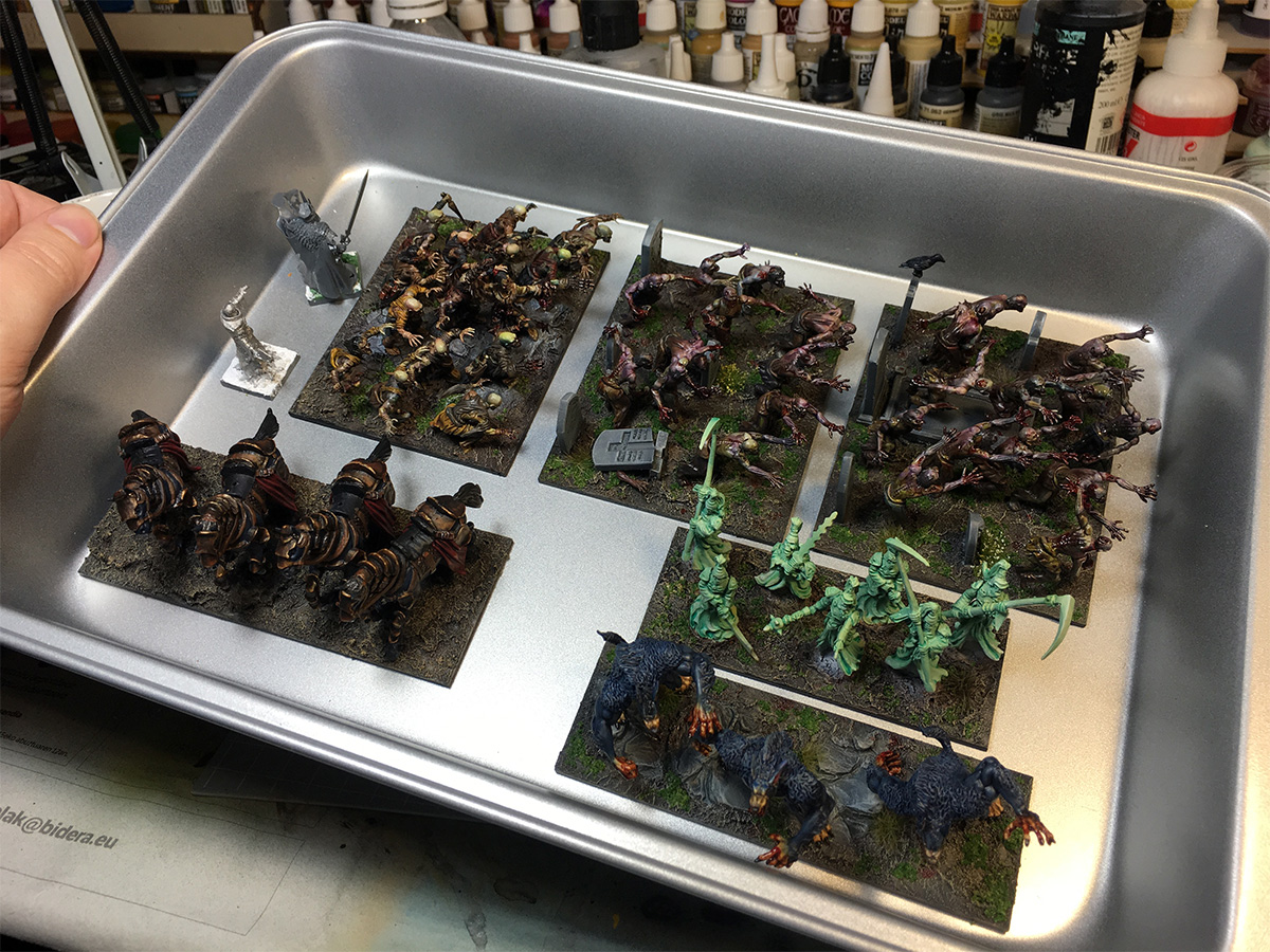 You can fit around 1000 points of Undead in a single tray