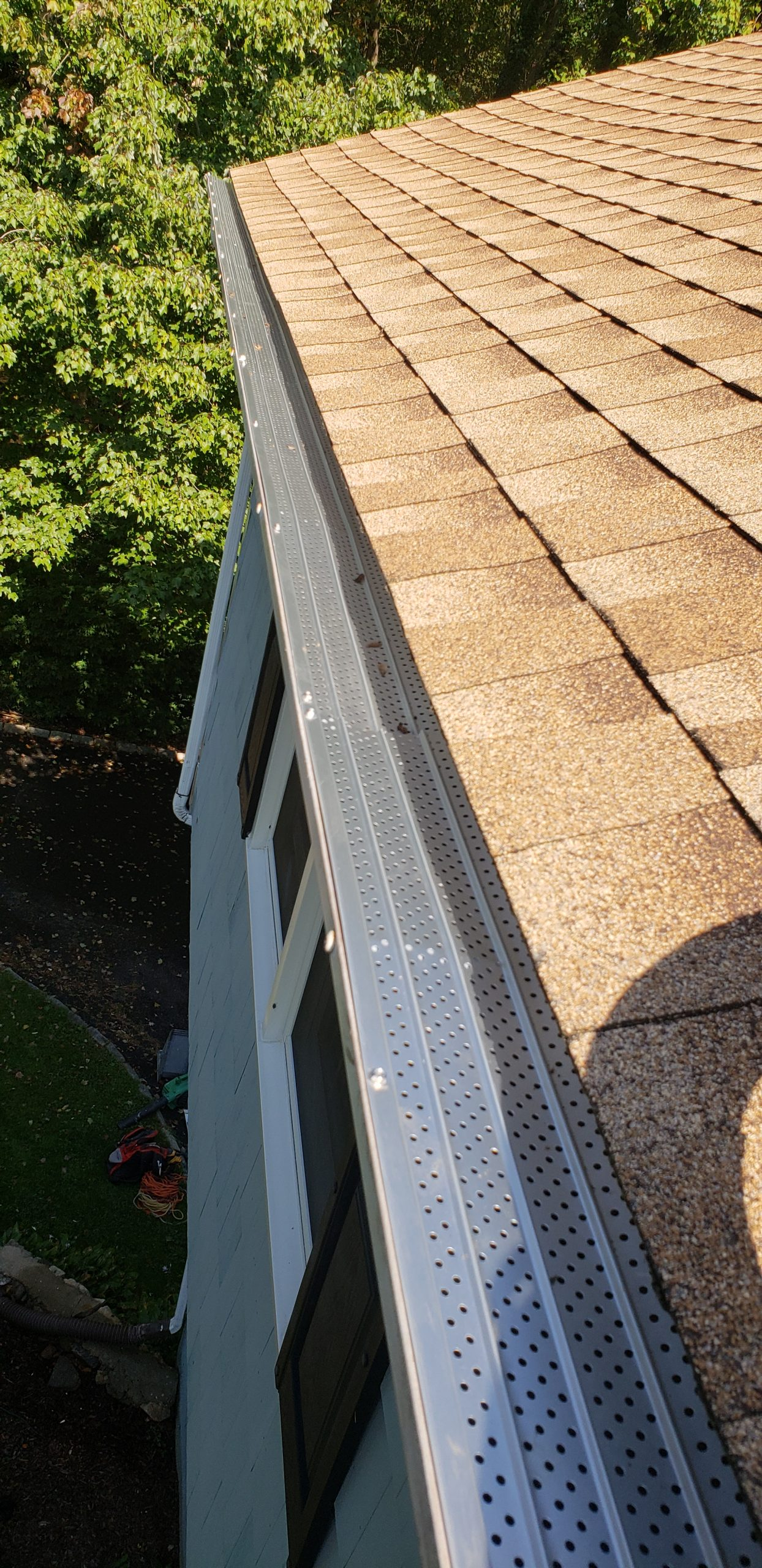 Gutter cleaning of Fairfield Connecticut