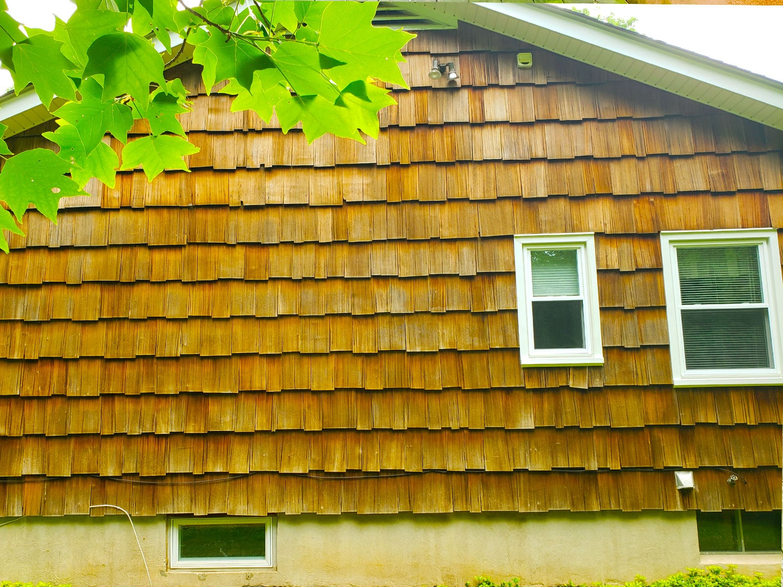 Tafur LLC House Cedar Soft Washing