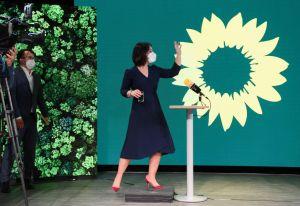 La verde Baerbock corre per la cancelleria in Germania