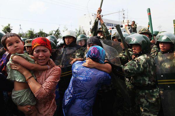campi di detenzione xinjiang: la denuncia di Amnesty